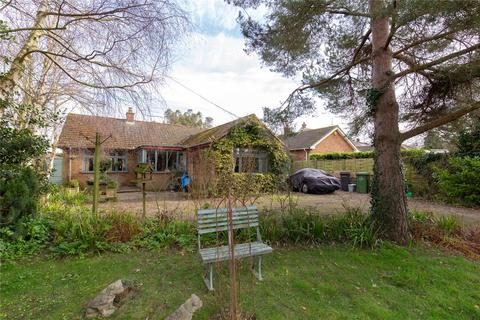 2 bedroom bungalow for sale - Peddars Way, Holme Next the Sea, Hunstanton, Norfolk, PE36