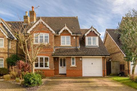 5 bedroom detached house for sale - Bainbridge Close, Richmond