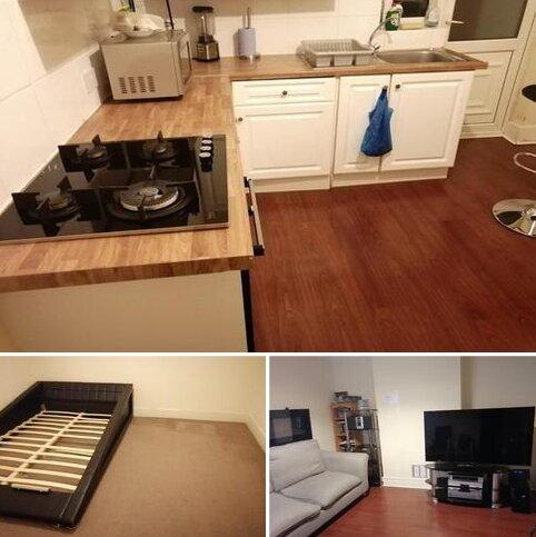 2 bedroom flat to rent - Furze Road , Thornton Heath CR7