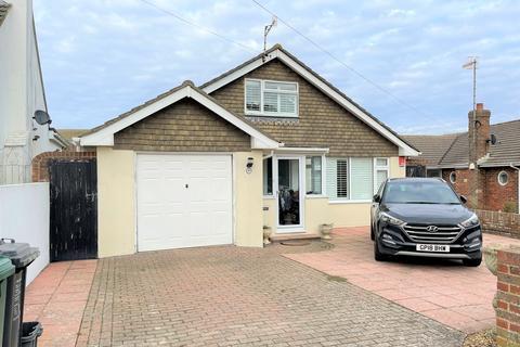 3 bedroom detached bungalow for sale - Chichester Drive West, Saltdean, Brighton BN2