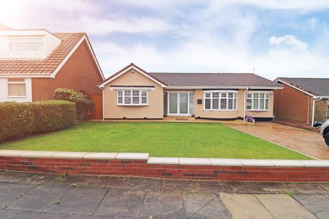 2 bedroom bungalow for sale - Serpentine Gardens, Hartlepool, TS26