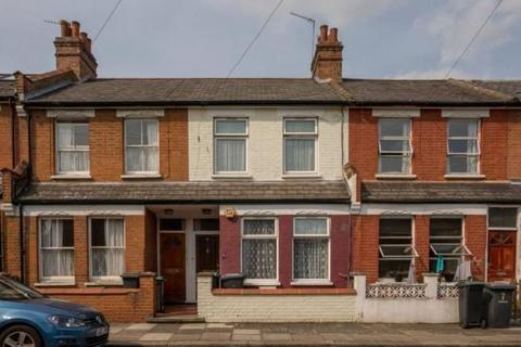 3 bedroom detached house to rent - Lydford Road, London