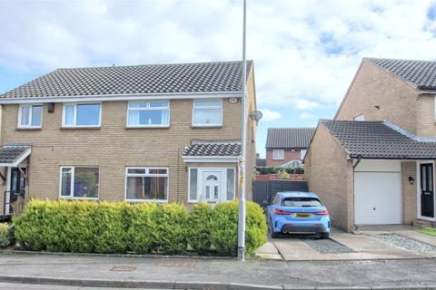 3 bedroom semi-detached house for sale - Abbots Way, Fairfield