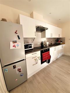 2 bedroom flat to rent - Cavendish Road , Edmonton, London  N18