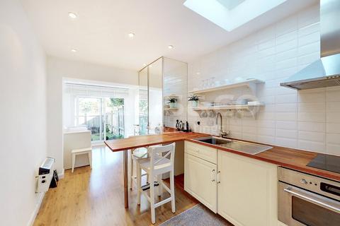 Studio for sale - Beechcroft Avenue, London, NW11