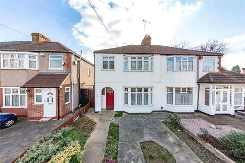 3 bedroom semi-detached house for sale - Suttons Avenue, Hornchurch, RM12
