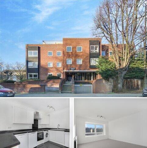 3 bedroom flat to rent - Thurlow Court, Wellesley Road, London, E11