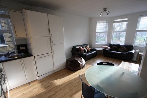 3 bedroom flat to rent - Evelyn Street, Deptford, SE8