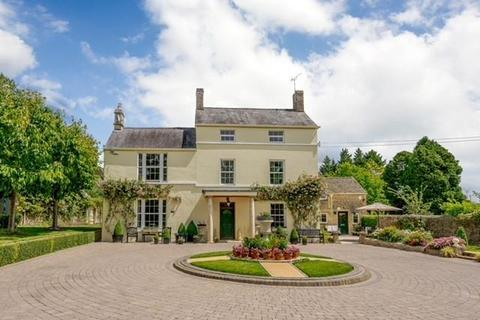 6 bedroom detached house for sale - Albion Street, Stratton, Cirencester, Gloucestershire, GL7.