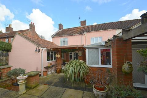 4 bedroom end of terrace house for sale - High Street, Loddon, Norwich