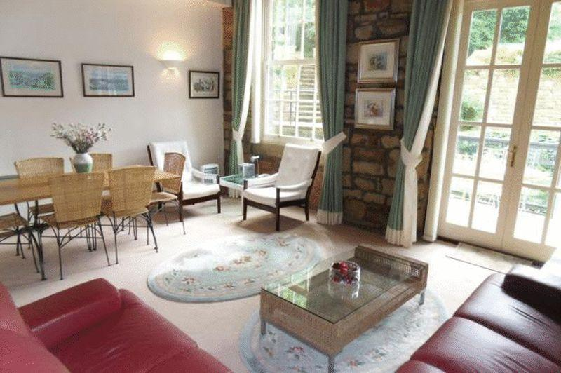 2 Bedrooms Apartment Flat for sale in 8 Colne Tower, Barkisland Mill