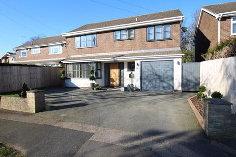 4 bedroom detached house for sale - Vernon Avenue, Hooton