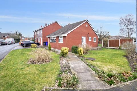 2 bedroom detached bungalow for sale - Clovelly Grove, Runcorn