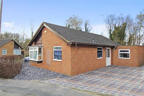 3 bedroom bungalow for sale - Basingstoke Close, Freshbrook, Swindon, Wiltshire, SN5
