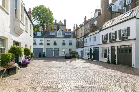 3 bedroom terraced house for sale - Pont Street Mews, Knightsbridge, London, SW1X