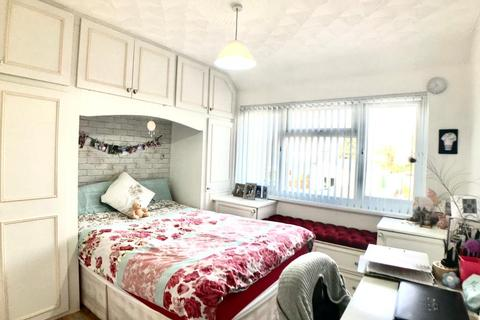 3 bedroom terraced house to rent - Waltham Avenue, Hayes UB3