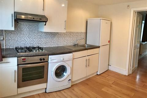 2 bedroom terraced house to rent - LEABRIDGE ROAD, LEYTON, LONDON