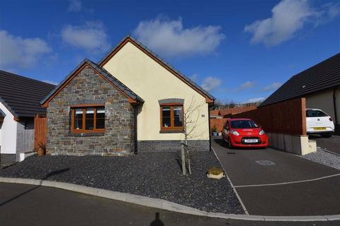 2 bedroom detached bungalow for sale - 18, Newton Fields, Kilgetty, SA68