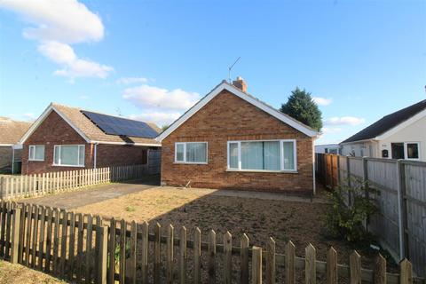 2 bedroom detached bungalow for sale - Station Road, Clenchwarton