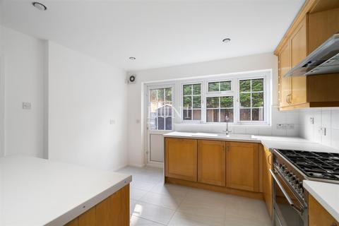 3 bedroom semi-detached house to rent - Westbury Lane, Buckhurst Hill IG9