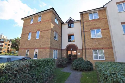 2 bedroom flat to rent - Higham Station Avenue, Chingford