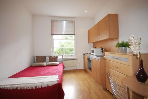 Studio to rent - Linden Gardens, Notting Hill, W2