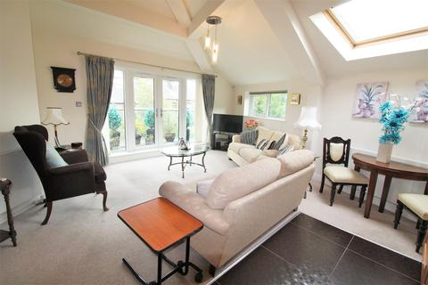 2 bedroom apartment for sale - Somersbury Court, Somerset Road, Almondbury, HD5 8LZ