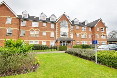 2 bedroom flat to rent - Cobham Close, Enfield