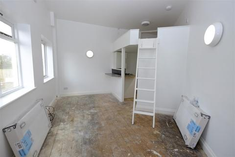 Studio for sale - St. Johns Road, Whitstable