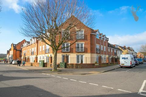 2 bedroom flat for sale - Forest Drive, Theydon Bois, Epping