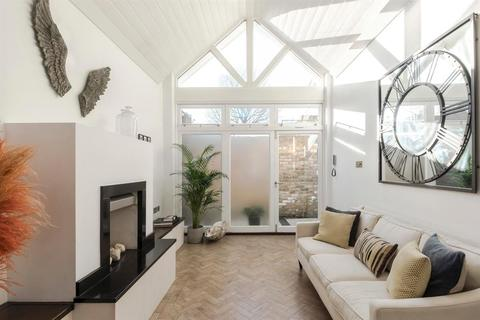 2 bedroom apartment for sale - The Gate House,  Bedford Road, London