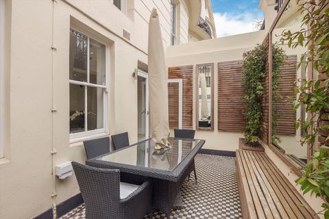 3 bedroom flat to rent - Kensington Gardens Square, Notting Hill, London, W2
