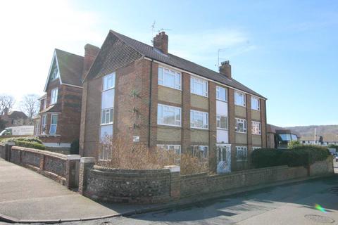 2 bedroom flat for sale - Moat Croft Road, Eastbourne, BN21 1NH