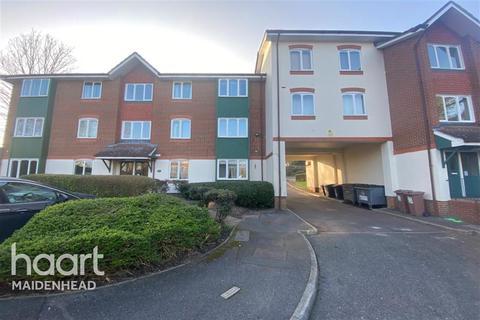 2 bedroom flat to rent - Missenden Gardens, Burnham