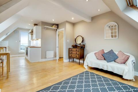 1 bedroom flat for sale - Streatham High Road, London, SW16