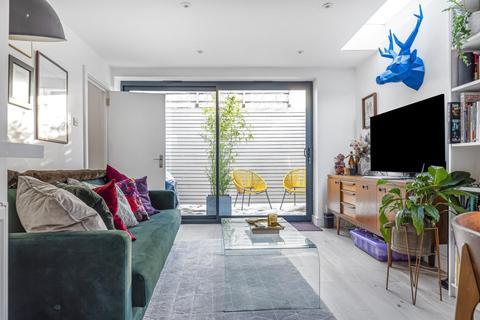 1 bedroom detached house for sale - Oglander Road, Peckham Rye