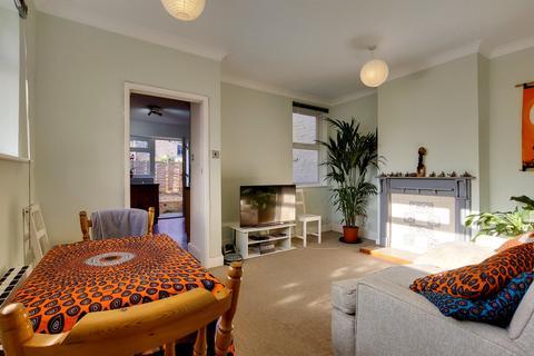 1 bedroom flat for sale - Lilian Road, London, SW16
