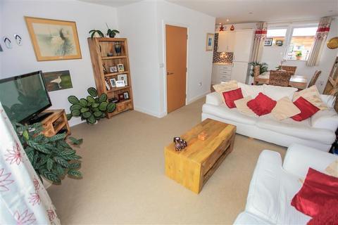 2 bedroom maisonette for sale - Cubitt Way, Peterborough, PE2