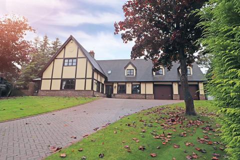 6 bedroom detached house for sale - Park Drive, Hartlepool, TS26