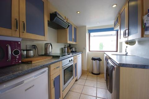 2 bedroom semi-detached house to rent - Trout Road, West Drayton, Middlesex