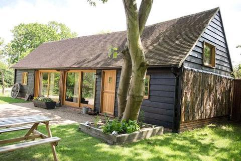 2 bedroom detached house for sale - Darling Buds Farm, Bethersden, Kent, TN26