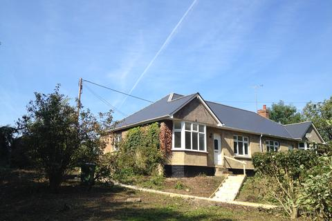 2 bedroom semi-detached bungalow to rent - Tockenham Wick , Swindon SN4