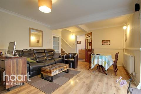3 bedroom end of terrace house to rent - Bennett Road, E13
