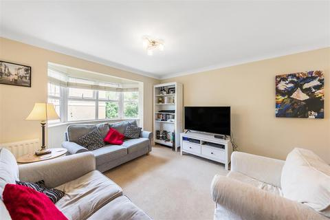 2 bedroom flat to rent - Clockhouse Place, SW15