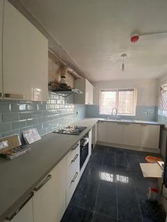 4 bedroom terraced house to rent - Hampton Street, London SE17