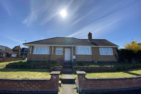 3 bedroom bungalow for sale - Princess Avenue, Oadby, LE2