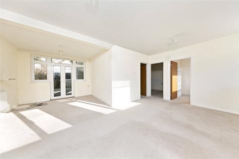 3 bedroom bungalow for sale - Arlington Road, East Twickenham, Middx, TW1