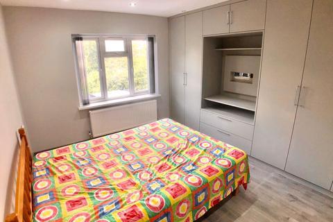 House share to rent - Ferndown, Northwood Hills HA6