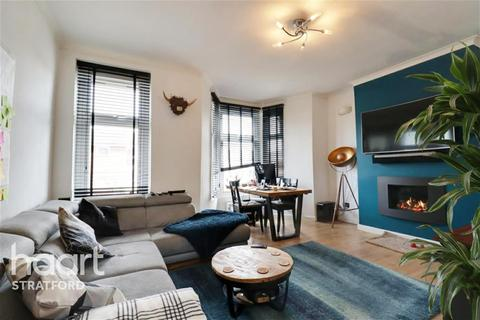 3 bedroom flat to rent - Carnarvon Road, Stratford, E15