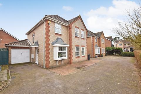 4 bedroom detached house for sale - Nightingale Way, Thetford